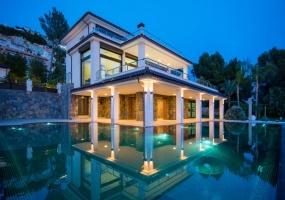 Sevilla, 4 Bedrooms Bedrooms, ,4 BathroomsBathrooms,Villa,For Sale,1003